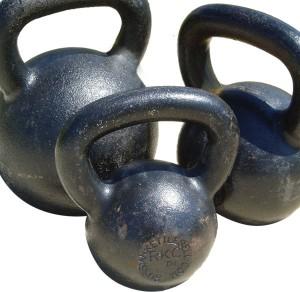 Kettlebell Swing für dynamische Kraft und rasanten Fettabbau