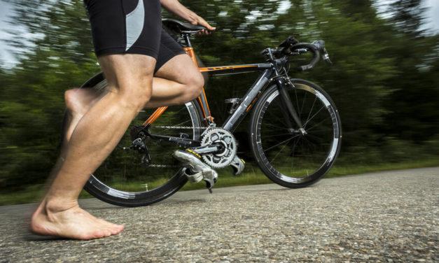 Schuhe vs. Barfuß – Endlich differenziert betrachtet!