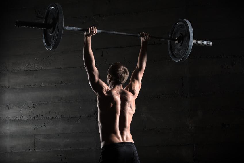 Schulterfehlstellung beheben: Wie Brust- und Rückentraining richtig kombiniert werden
