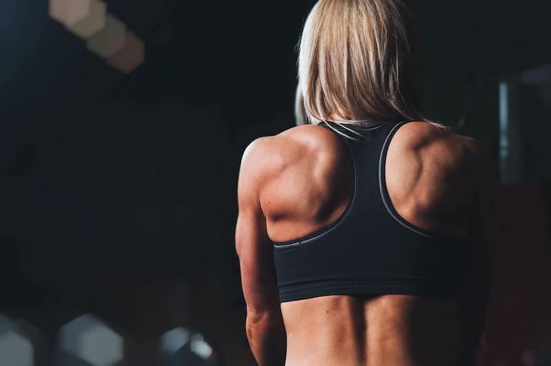 Geniales Rücken-Workout für Zuhause (OHNE Klimmzüge) – Für ALLE Trainingslevel!